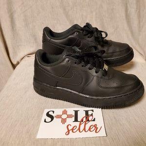 Nike air force 1 triple black. size 6.5y